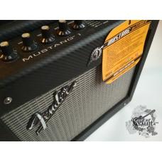 Fender® Mustang (идеальное)