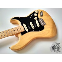 Fender® Deluxe 70s Ash Stratocaster® '2016 Vintage Blonde (витринное)