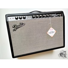 Fender® '65 Deluxe Reverb Amp (USA) w/footswitch &cover