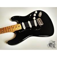 '1990 Fender® Standard (AVRI '70s pups) Stratocaster® w/case