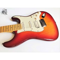 Fender® American Deluxe Ash Stratocaster® HSS '2003 (отличное)