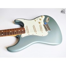 Fender® Vintera '60s Stratocaster® '2019 Ice Blue Metallic (новий)