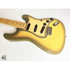 Fender® '70s (Custom Shop '54 pups) Stratocaster® '2004 Antigua