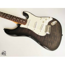 Fender® Custom Shop Custom Deluxe Stratocaster® '2013 Trans Grey