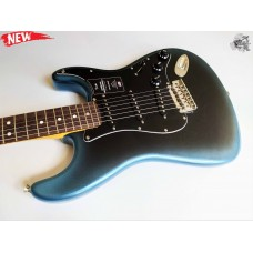 Fender® American Professional II Stratocaster® '2020 Dark Night