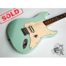 Fender® Deluxe Tom Delonge Stratocaster® '2002 (отличное)