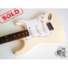 Fender® Standard Lace Sensor's Stratocaster® '2001 Vintage White