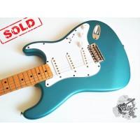 Fender® Deluxe Powerhouse Stratocaster® '2001 Lake Placid Blue