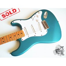 Fender® Deluxe Powerhouse Stratocaster® '2001 Lake Placid Blue