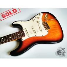Fender® Deluxe Player's Ash Strat® '1998 (отличное)