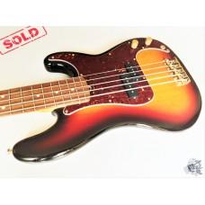Fender® American Standard Precision Bass® V '2011 w/case